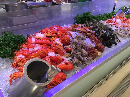royal plaza on scotts buffet review