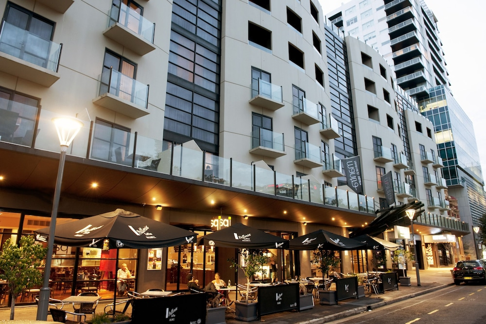 mantra on hindmarsh square reviews