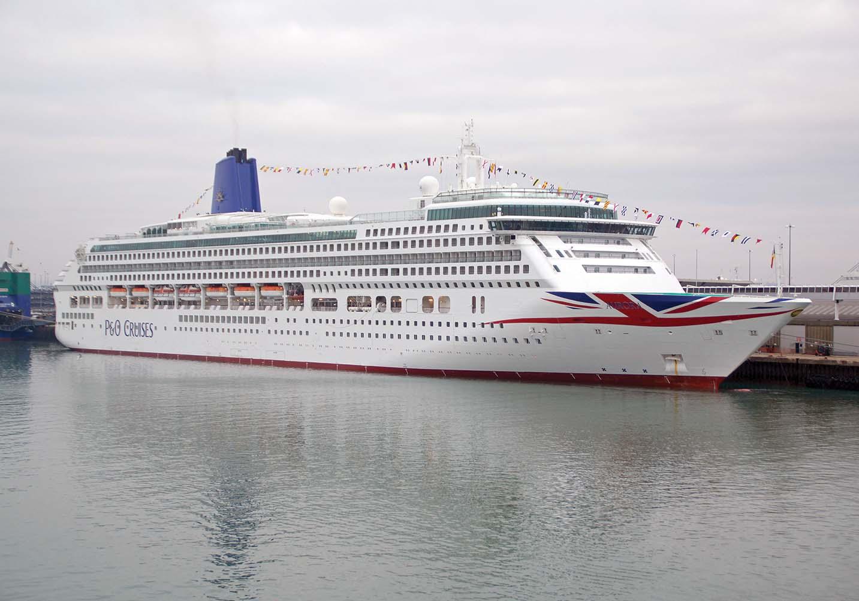 p&o christmas cruise review